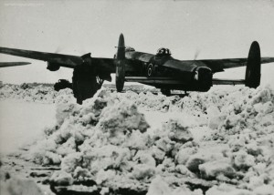 Snow at Waddington in the winter of 1943-44. The Lancaster is ED606, JO-E of 463 Squadron. From the Waddington Collection, RAF Waddington Heritage Centre