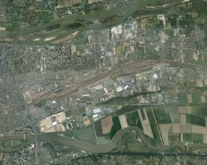 Tours marshalling yards in 2010 - pic: Google Earth