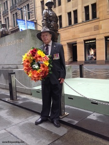 460 Squadron veteran Fred Sargeant with his wreath